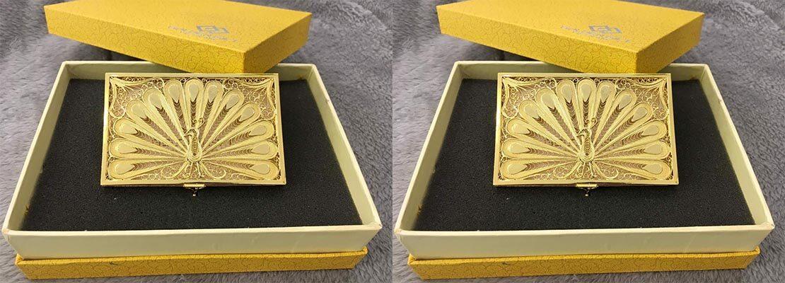 Hộp giấy mạ vàng